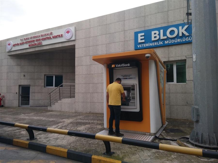 Sarp Sınır Kapısı'nda Vakıfbank ATM'si Kuruldu.